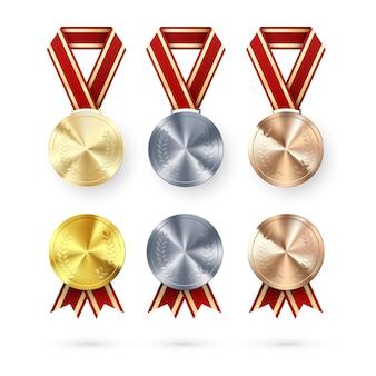 賞のセット。ゴールデンシルバーとブロンズのメダル、ローレルハンギングと赤いリボン。勝利と成功の表彰シンボル。図