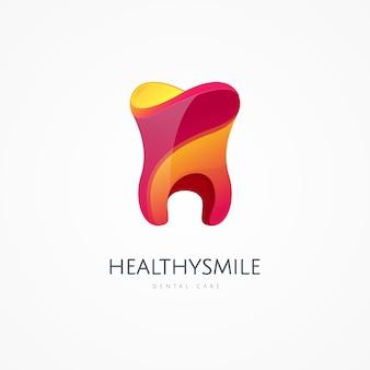 Шаблон логотипа значок зуба. здравоохранение, врач или врач и стоматолог офис символы. уход за полостью рта, стоматология, стоматологический кабинет, здоровье зубов, уход за зубами, клиника. здоровый и улыбающийся знак стоматолога