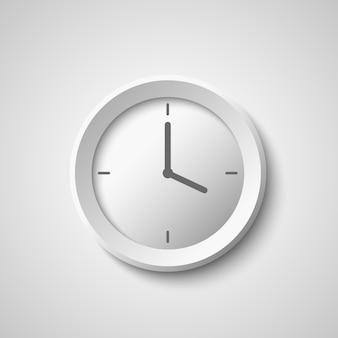 白い時計。
