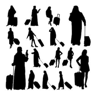イスラム教徒の旅行者のシルエット