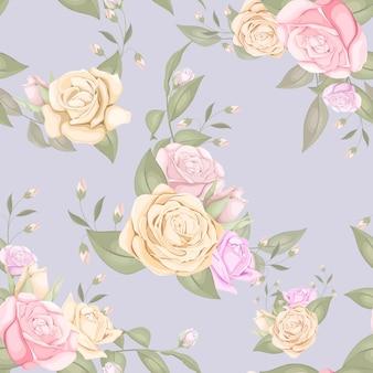 バラと葉を持つ美しいシームレスパターン