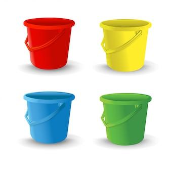 Реалистичные пластиковые ведра для мытья продуктов питания, воды и напитков. ведро по хозяйству. векторная иллюстрация