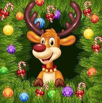 Мультяшный забавный олень на фоне рождественского орнамента