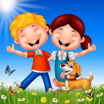 夏の背景に漫画の幸せな子供たち