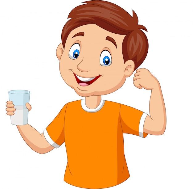 Мультяшный маленький мальчик держит стакан молока