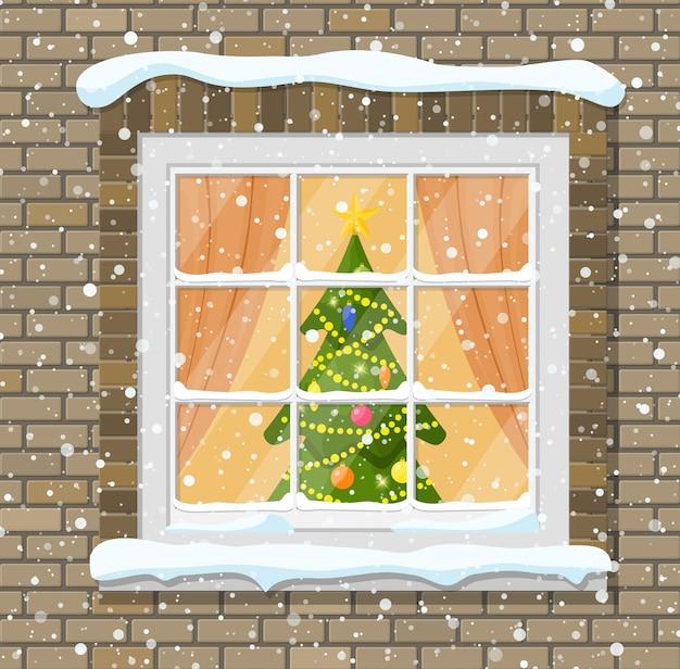 レンガの壁のクリスマスウィンドウ。クリスマス付きのリビングルーム。