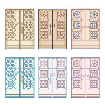 Старые старинные двери в странах арабского залива