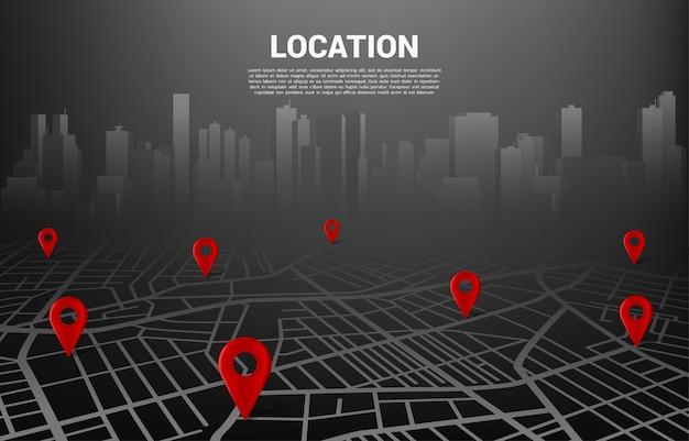 市内道路地図上のロケーションピンマーカー。ナビゲーションシステムインフォグラフィックのコンセプト