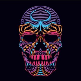暗い装飾的な頭蓋骨の頭の中で輝く