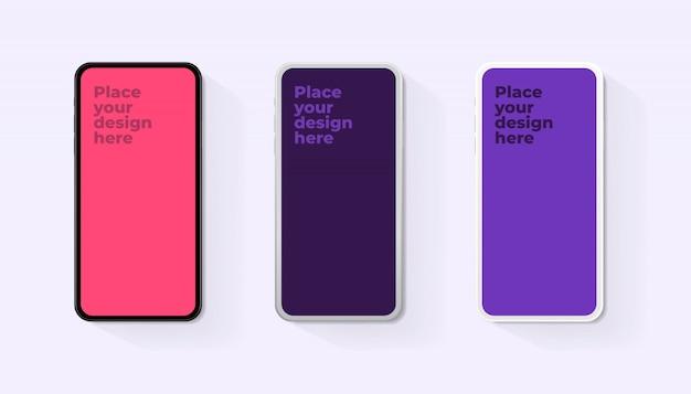 背景に分離された空白の画面で設定される現実的なスマートフォン。