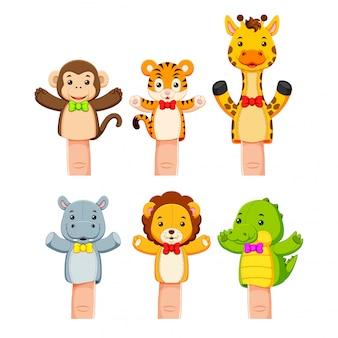 野生動物の手の人形の興味深いコレクション