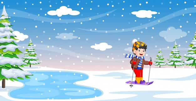 Мужской лыжник в зимний праздник