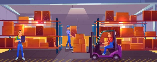 Логистика, интерьер склада с рабочим, управляющим грузоподъемником, погрузчик и инспектор, проверяющий список доставленного груза