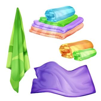 バスルーム、スパカラータオルセット。現実的な折り畳まれ、ふわふわの綿のオブジェクトをぶら下げ