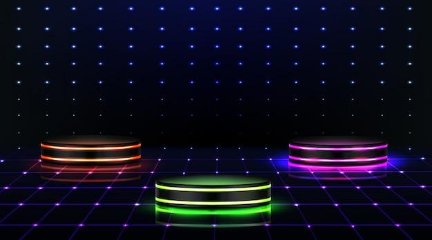 ネオン表彰台。ナイトクラブ、ダンスフロアの空のステージ