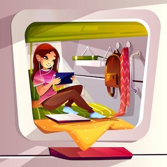 ポッドホステルチャットで旅行者の若い女性のカプセルホテルの女の子のイラスト