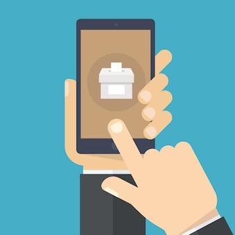 Рука смартфона с голосом приложение на экране.