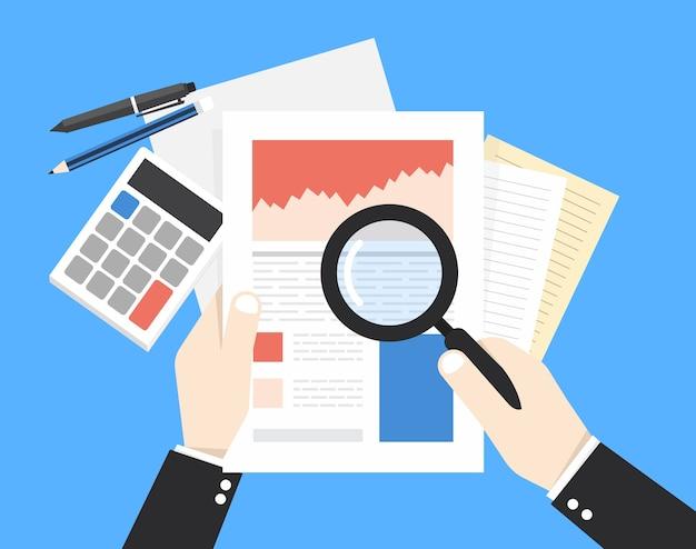 虫眼鏡とビジネスマンは、財務報告を探しています。