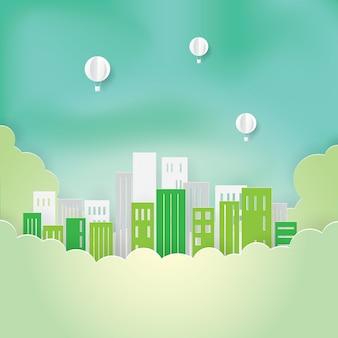 Зеленый город на облаках и воздушных шарах, бумажное искусство, бумажная резка, вектор ремесла, дизайн