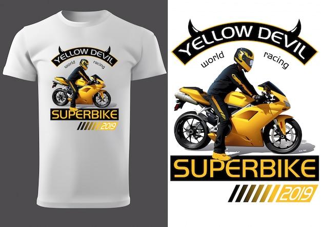 Дизайн белой футболки с мотоциклистом