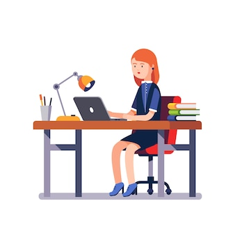 ビジネスの女性や事務員のデスクで働いている