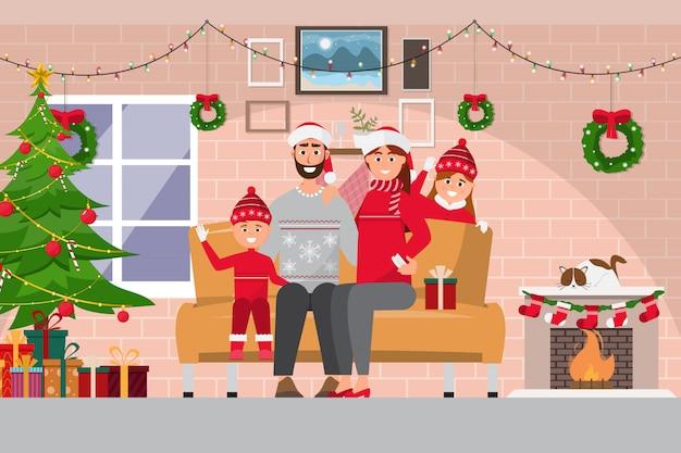 Семейное празднование рождества в интерьере комнаты с парой,
