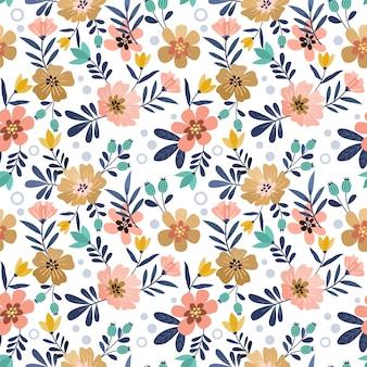 カラフルな手描きの花のシームレスなパターン。