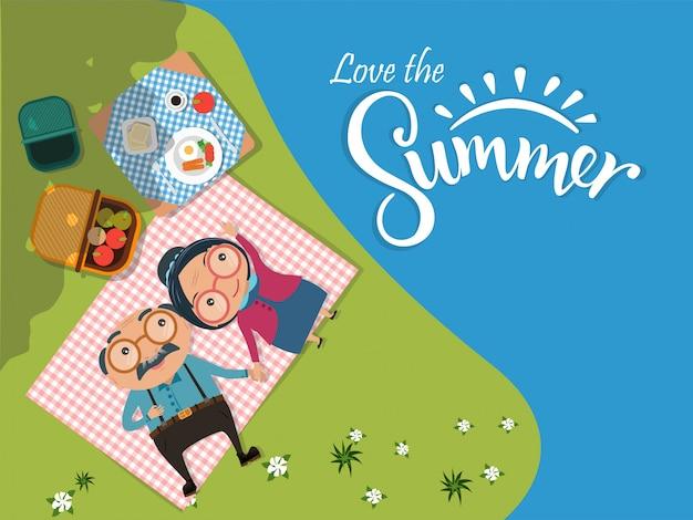 夏の背景を愛する、年配の男性と女性のカップルキャンプと緑の牧草地でピクニックを持っていますトップビュー。ベクトルイラスト
