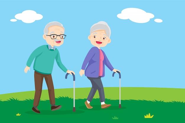 Старые люди, идущие