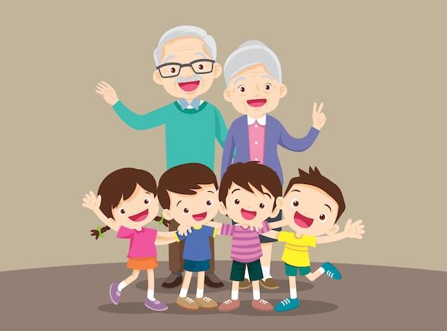 Бабушка и дедушка с детьми
