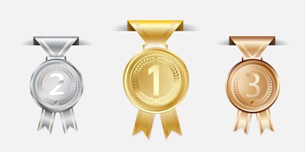ゴールドシルバーブロンズチャンピオンのリボン付きメダル。