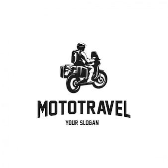 旅行者のシルエットのロゴのオートバイの冒険