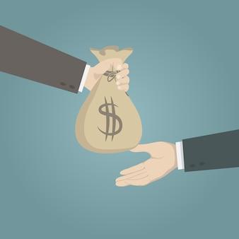 受取人にお金の袋を与える手