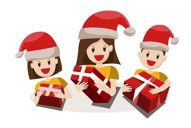 クリスマスの帽子で大きな幸せな家族。祖父母、両親と子供たち。