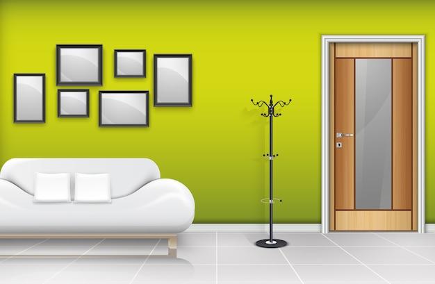 Закрытая деревянная дверь с белым диваном и подушками