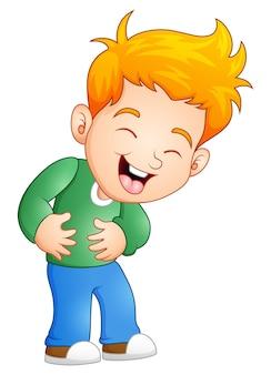 小さな男の子が大声で笑って
