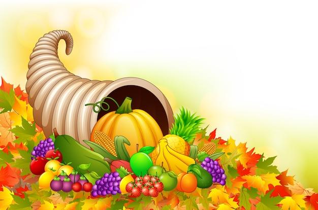 フルーツとたくさんの秋のココヤシの角