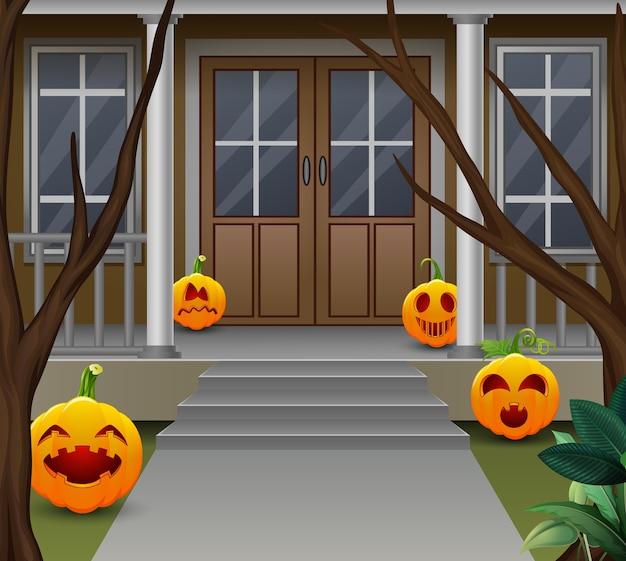 Украшение перед домом в день хэллоуина