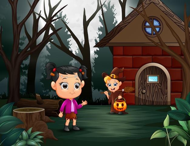 Счастливый малыш хэллоуина на домашней странице