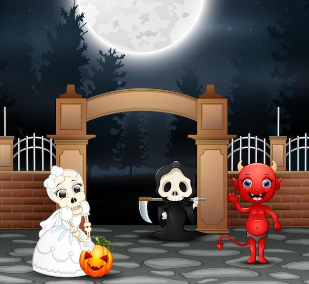 Счастливая вечеринка на хэллоуин с группой детей