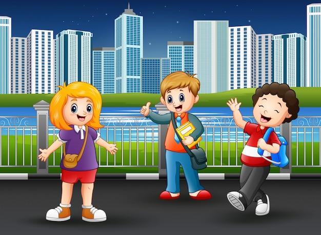 都市公園における幸せな学校の子供たち
