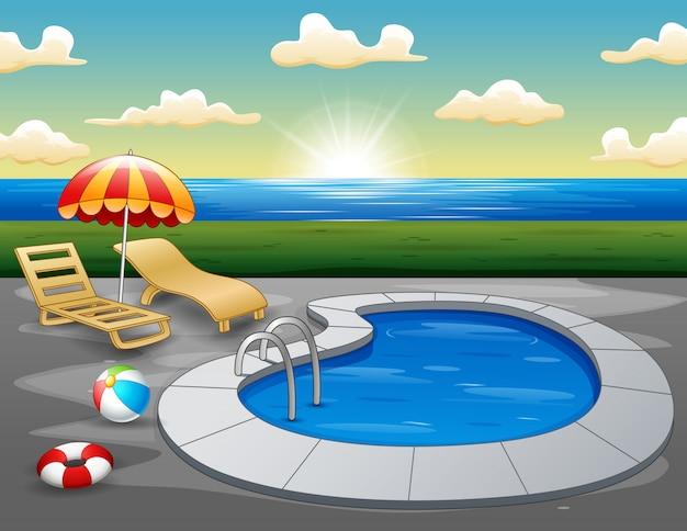 朝のビーチでのスイミングプールの風景