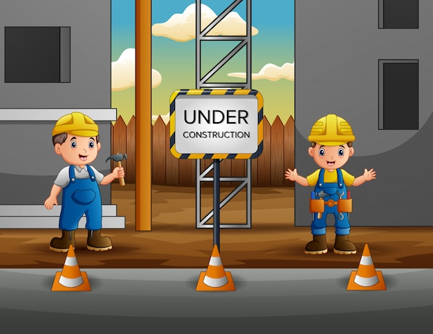 Строительный рабочий с менеджером на строительной площадке