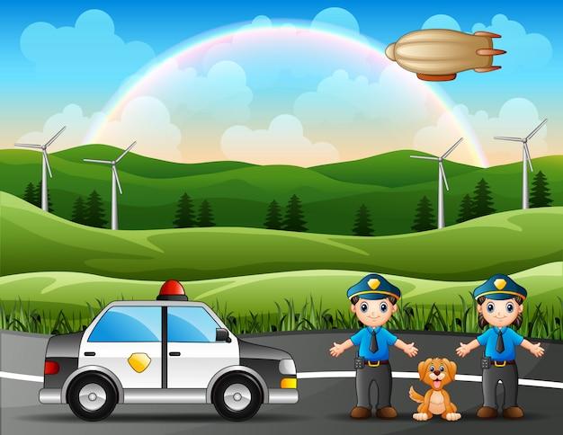 Полицейский с полицейской машиной на фоне природы