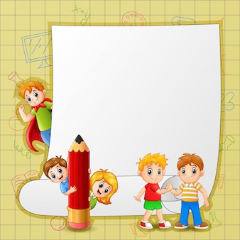 幸せな子供たちと紙のテンプレート