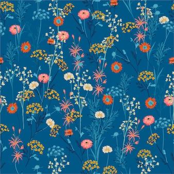 夏の咲く草原の多くの種類のカラフルな手描きデザインのシームレスなパターンの花