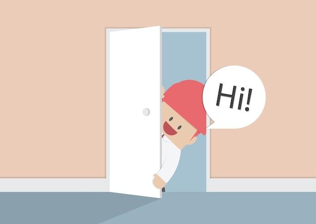 ビジネスマンはドアを開けて、ハイ