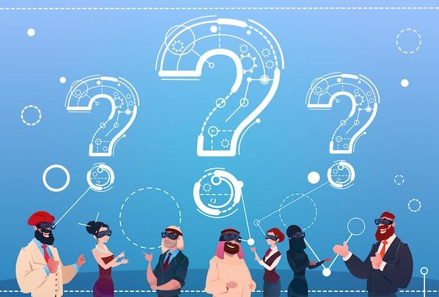 Группа деловых людей носить очки цифровой реальности вопросительный знак обдумать концепцию проблемы