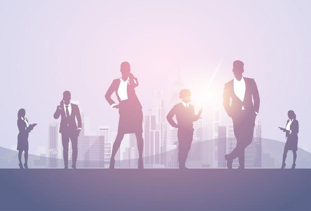 Силуэт бизнес мужчина и женщина команда предприниматель бизнесмен сотрудничество работа в команде баннер