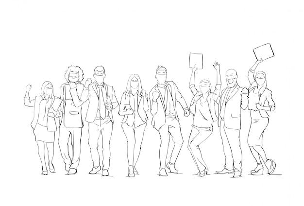 Веселый силуэт деловых людей групповой эскиз счастливые бизнесмены команда с поднятыми руками на белом фоне